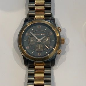 Michael Kors Gray and Rose Gold Tone Runway watch